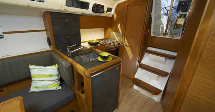 Rent a sailboat in ACI Marina Vodice - Sun Odyssey 349