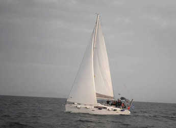 Rent a sailboat in Volos - Oceanis 40