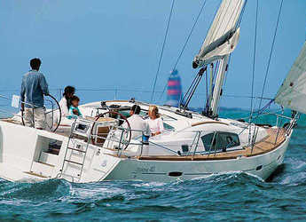 Rent a sailboat in Club Marina - Oceanis 40