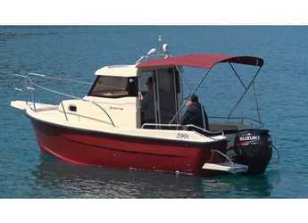 Rent a motorboat in Trogir (ACI marina) - Fortis 590C