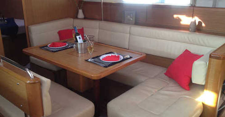 Rent a sailboat in Marina Skiathos  - Sun Odyssey 42i (2008)