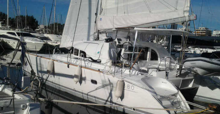Rent a catamaran in Marina Gouvia - Lagoon 380