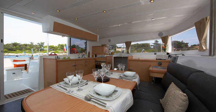 Rent a catamaran in Paros - Lagoon 420