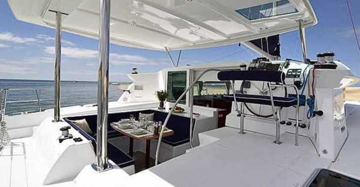 Rent a catamaran Lagoon 420 in Paros, Paros