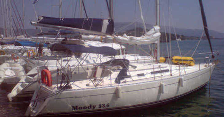 Rent a sailboat in Marina Gouvia - Moody 336