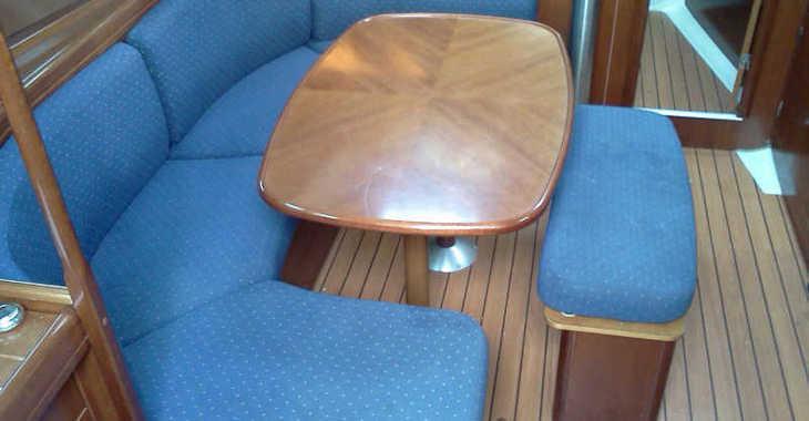 Rent a sailboat in Marina Gouvia - Oceanis 393 Clipper
