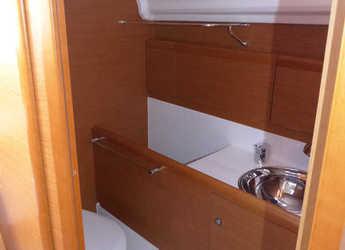 Rent a sailboat Sun Odyssey 33i in Club Nautic Costa Brava, Palamos