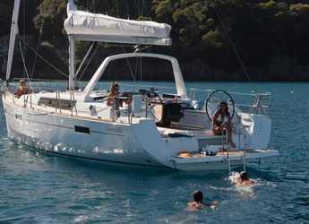 Rent a sailboat in Marina d'Arechi - Oceanis 45