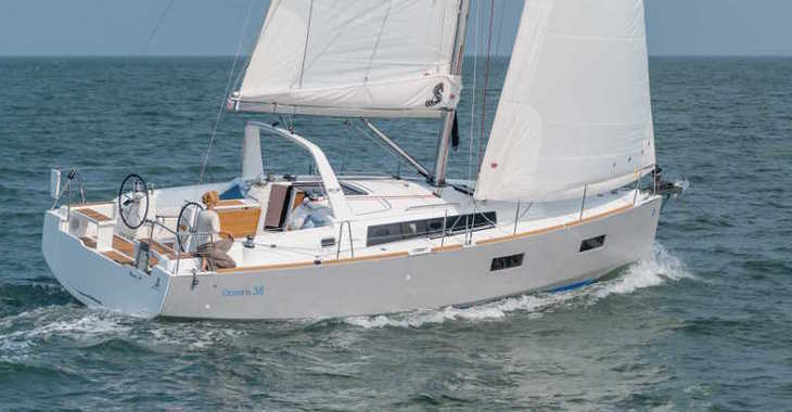 Rent a sailboat in Marina d'Arechi - Oceanis 38.1