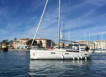 Chartern Sie segelboot in Marina di Portorosa - Oceanis 45