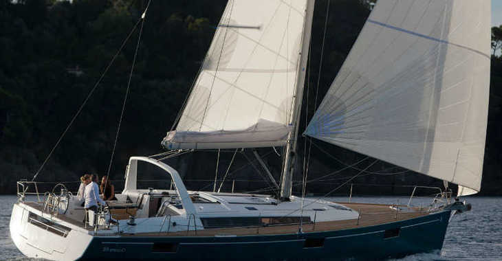Rent a sailboat in Marina Skiathos  - Oceanis 48