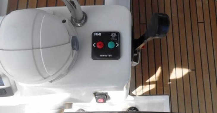 Rent a sailboat in Marina Skiathos  - Oceanis 45