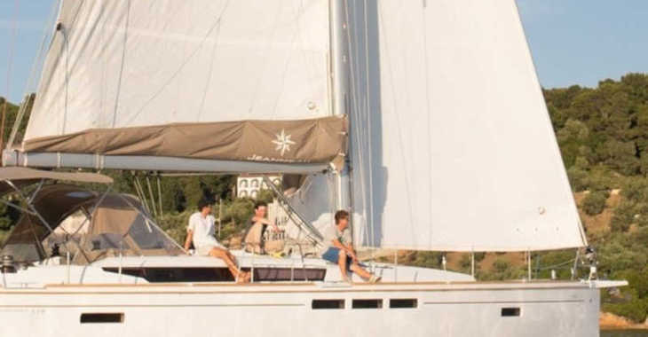 Rent a sailboat in Alimos Marina Kalamaki - Sun Odyssey 519