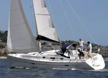 Rent a sailboat in Skiathos  - Oceanis 343