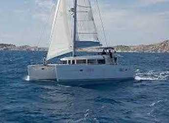 Rent a catamaran in Port Lavrion - Lagoon 400 S2