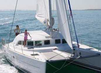 Rent a catamaran in Port Lavrion - Lagoon 380