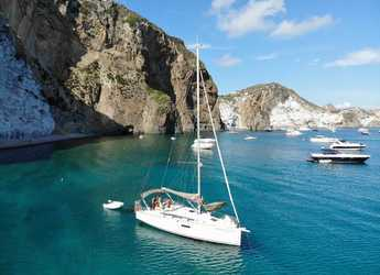 Rent a sailboat in Marina d'Arechi - Sun Odyssey 349