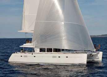 Rent a catamaran in Porto Capo d'Orlando Marina - Lagoon 560