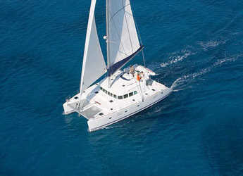 Chartern Sie katamaran in Porto Capo d'Orlando Marina - Lagoon 500