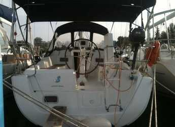 Rent a sailboat in Port of Lefkada - Beneteau Oceanis 31