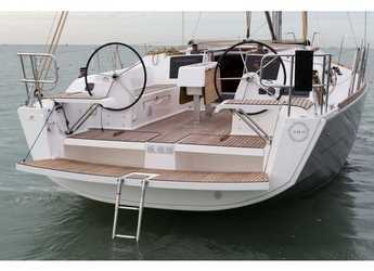 Rent a sailboat in Cagliari port (Karalis) - Dufour 382 GL