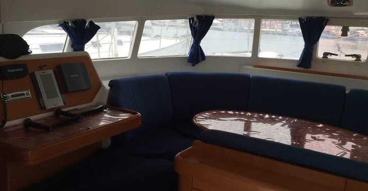 Rent a catamaran in Cagliari port (Karalis) - Lagoon 410 S2
