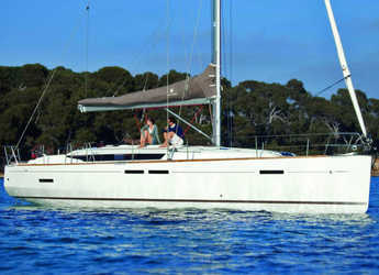 Rent a sailboat in Cagliari port (Karalis) - Sun Odyssey 449