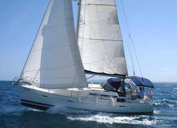 Rent a sailboat in Cagliari port (Karalis) - Oceanis 373