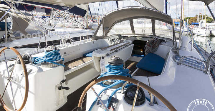 Rent a sailboat in Muelle de la lonja - Beneteau 50
