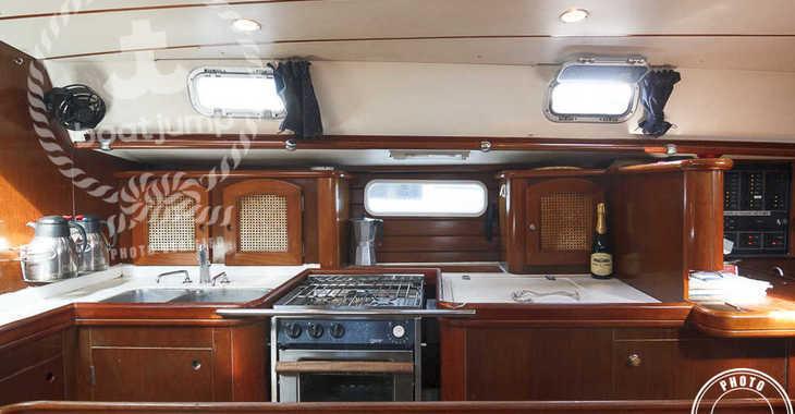 Rent a sailboat in Muelle de la lonja - Beneteau 50