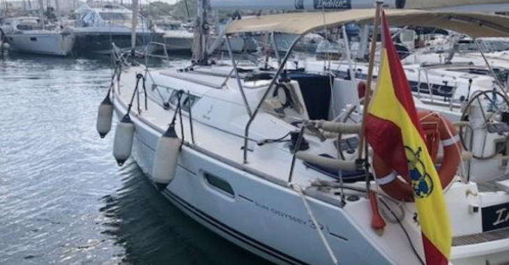Rent a sailboat in Playa Talamanca - Jeanneau Sun Odyssey 39i