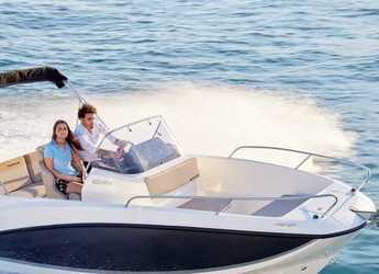 Rent a motorboat in Port Mahon - Quicksilver 605 sun