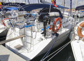 Rent a sailboat in Muelle de la lonja - Oceanis 393