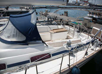 Rent a sailboat in Cagliari port (Karalis) - Bavaria   46 Cruiser