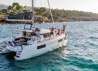 Rent a catamaran in Naviera Balear - Lagoon 40 (Sunday to Sunday)