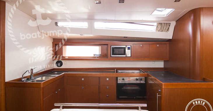 Rent a sailboat in Muelle de la lonja - Oceanis 48