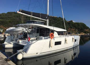 Rent a catamaran in Marina di Portisco - Lagoon 42