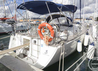 Rent a sailboat in Muelle de la lonja - Oceanis 43