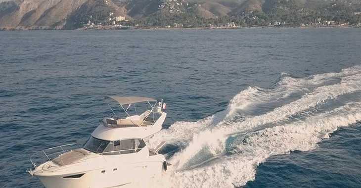 Rent a yacht in Marina el Portet de Denia - Jeanneau Prestige 400 fly