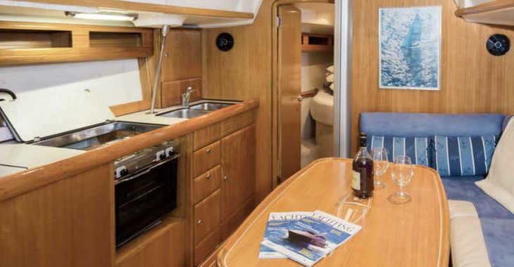 Rent a sailboat in Marine Pirovac - Bavaria 42 Match