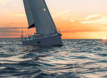 Rent a sailboat in Marine Pirovac - Elan E4