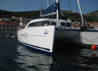 Rent a catamaran in Marina Mandalina - Lagoon 380 S2 Premium