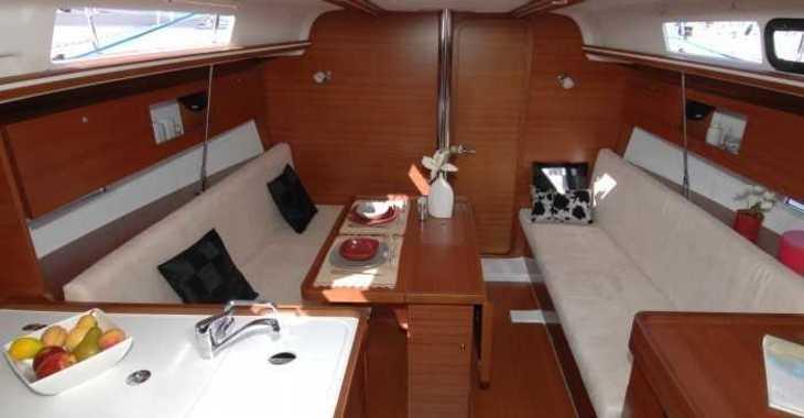 Rent a sailboat Dufour 335 Grand Large in Contra Muelle Mollet, Palma de mallorca