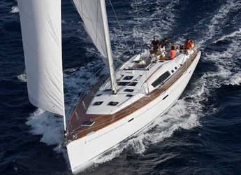 Rent a sailboat in Paros - Oceanis 54