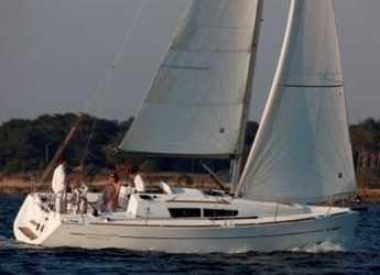 Rent a sailboat in Punta Ala - Sun Odyssey 33i
