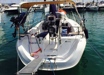 Rent a sailboat in Punta Ala - Hunter 31