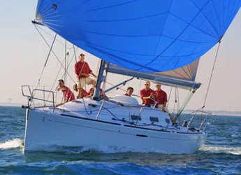 Rent a sailboat in Porto di Roma - First 36.7