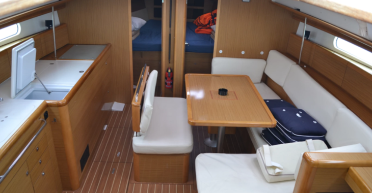 Rent a sailboat in Contra Muelle Mollet - Sun Odyssey 44i