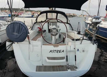 Rent a sailboat in Carloforte - Sun Odyssey 33i