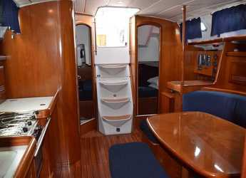 Rent a sailboat in Carloforte - Oceanis 393 Clipper